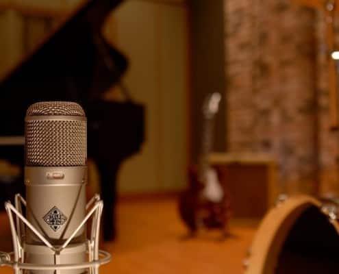 Lycnos Audio Service: Fișă audio, Dublare, Post-producție, Producție muzicală, Spot radio, Imprimare CD, Studio de înregistrări